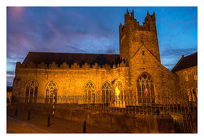 Abendliches Geocaching in Kilkenny - Black Abbey