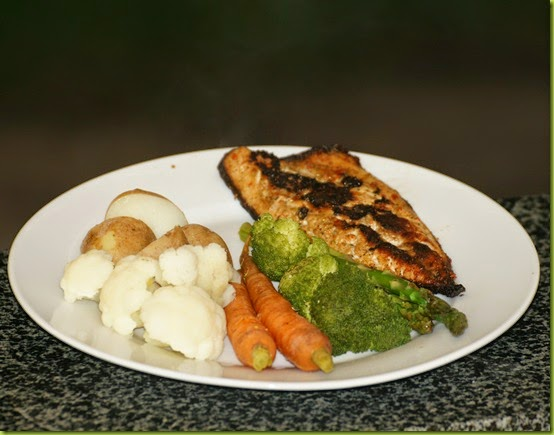 pan fried mackerel with steamed vegetables