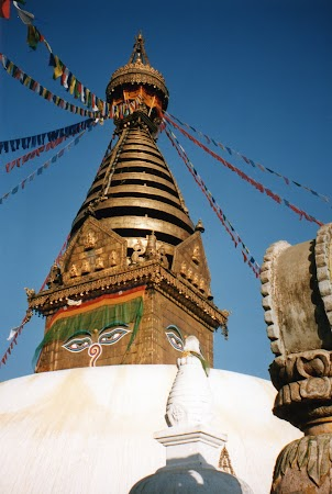Obiective turistice Nepal: stupa Swayanbunath.jpg