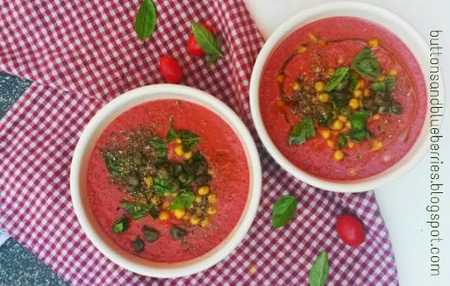 zuppa fredda di pomodoro e ceci, vegan , estiva