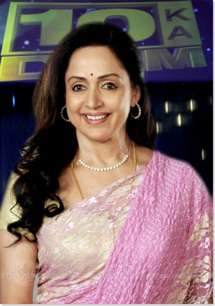 hema-malini-looking-graceful