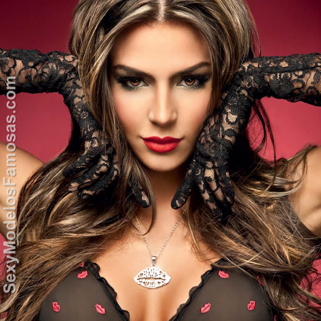 Natalia Velez Sexy Lenceria Besame Foto 1