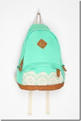hipster-fun-photo-blogger-cute-style-hipsters-cool-glasses-bag-bagpack
