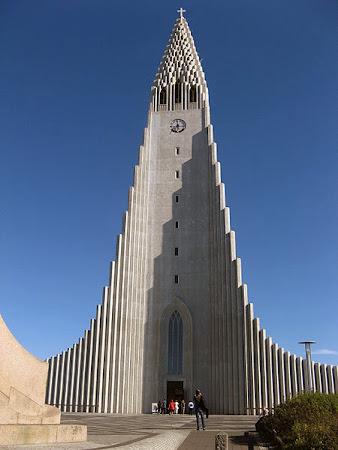 Obiective turistice Islanda: Biserica Luterana Hallgrímskirkja Reykjavik