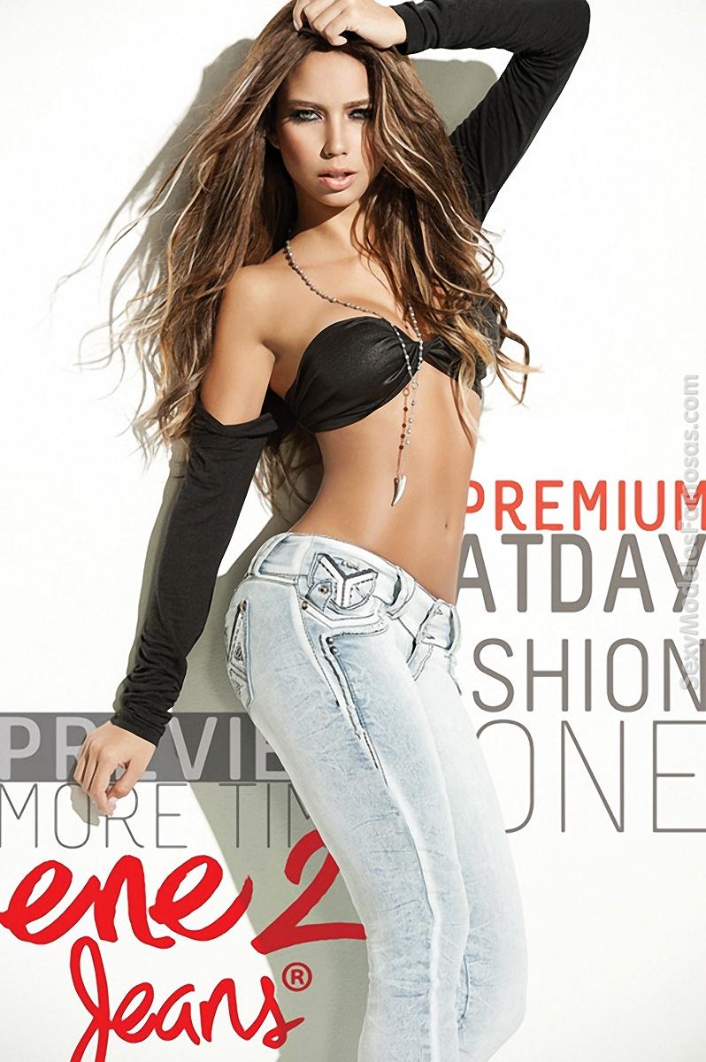 Catalina Otalvaro Jeans Foto 1