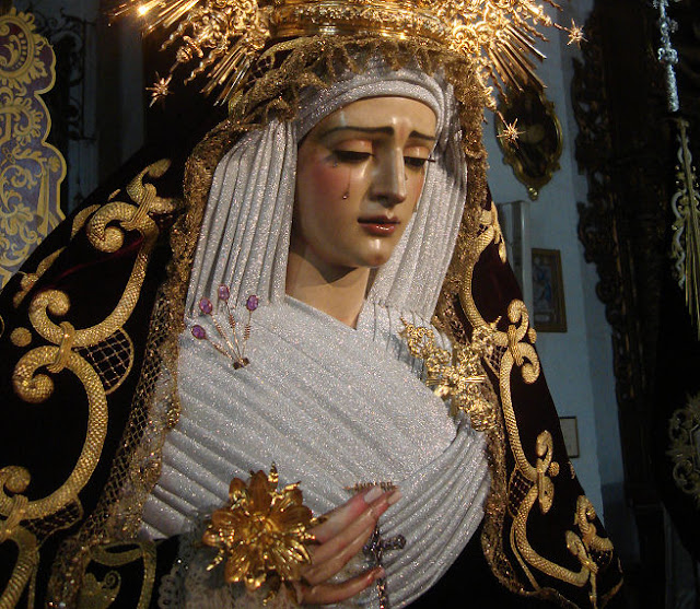 Virgen de Gracia y Amparo - Los Javieres - Sevillanvbre2011 (1).jpg