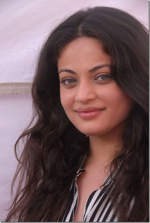 Sneha Ullal latest photos at Antha Nee Mayalone movie opening event photos