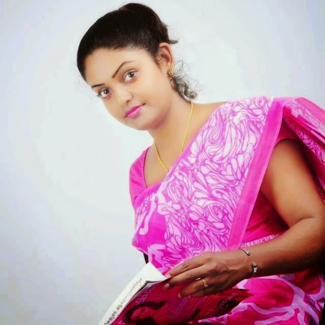 'Karuthamuthu' Heroine Original Photos