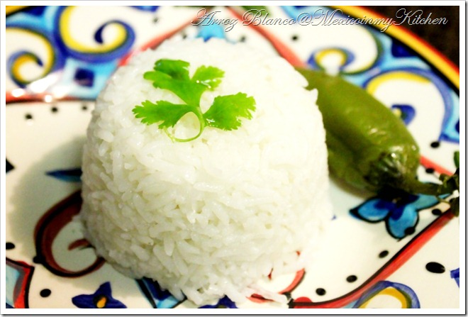 Mexican White Rice Recipe | Receta de Arroz Blanco Mexicano
