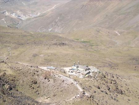 Iran Sabalan refigiul Hoseiniyeh vazut de sus
