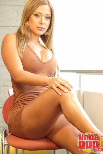 Milena Guzman Striptease Foto 36