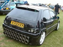 6-bizarre-car-Exhausts