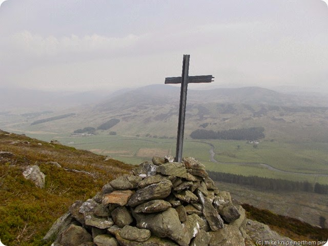 cross on craigs of lethnot