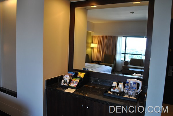 Holiday Inn & Suites Makati 62