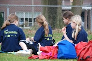 Schoolkorfbaltoernooi ochtend 17-4-2013 082.JPG