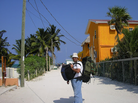2005 welcome to caye caulker.JPG