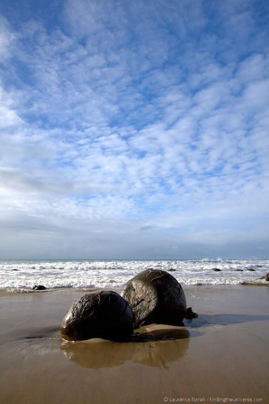 Moeraki boulders beach sky