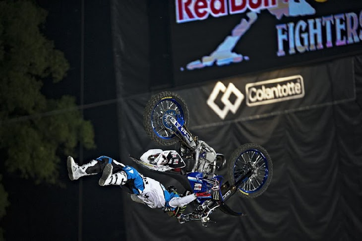 taka-higashino-red-bull-x-fighters.jpg