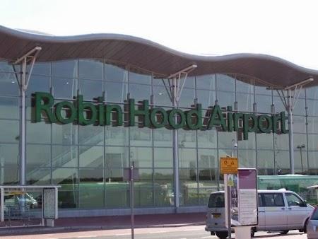 Robin Hood Airport.jpg