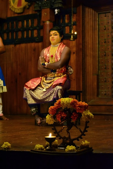 Traditii India: Kathakali - dans Kerala
