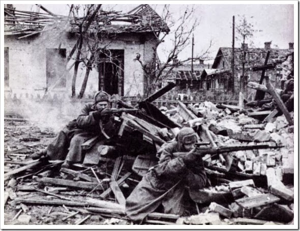 The-Battle-of-Stalingrad-570x434