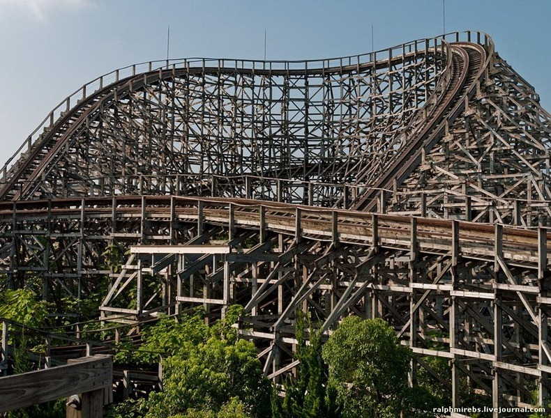 wooden-rollercoaster-1