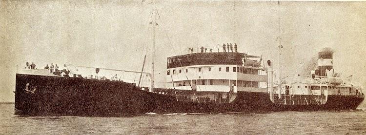 El primer CAMOPILO en pruebasde mar. Del libro La Union Naval de Levante S.A. 1.924-1.949..JPG