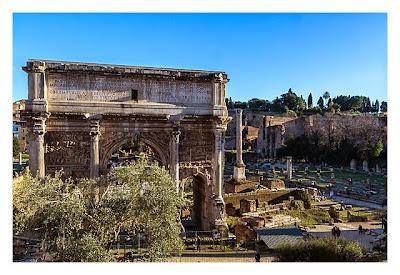Rom: Geocaching bei den alten Römern: Palatin - Blick von außen auf den Triumphbogen