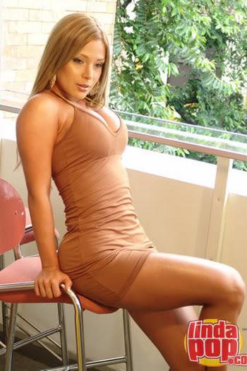 Milena Guzman Striptease Foto 26
