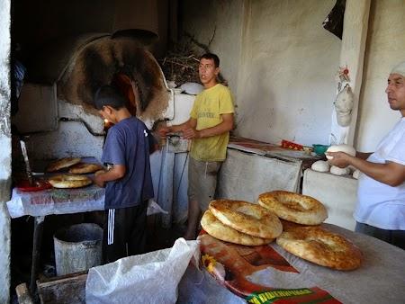 15. Brutarie in Samarkand.JPG