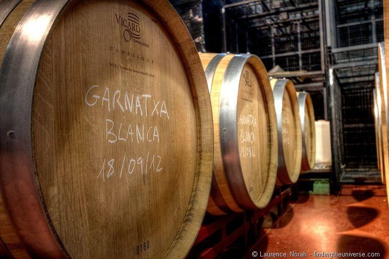 Wine barrels close up_thumb