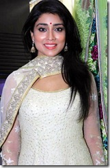 shriya_saran_beautiful_still