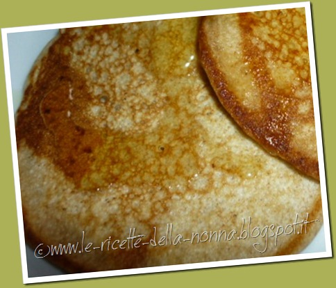 Pancakes ai quattro cereali con latte di soia, zucchero di canna e sciroppo d'agave (11)