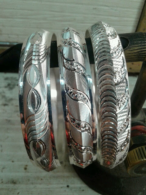Silver Bangles Very Art Full Design