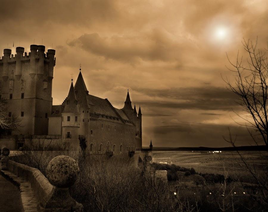 Segovia by Jime Fernandez - Buildings & Architecture Public & Historical ( españa, sunset, segovia, catedral, spain )