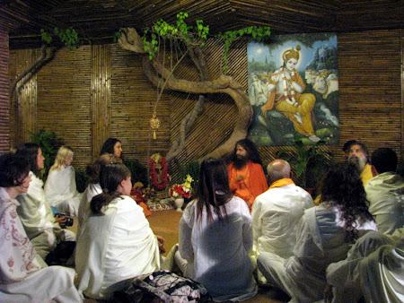 Iunia Pasca: Ashram hindus