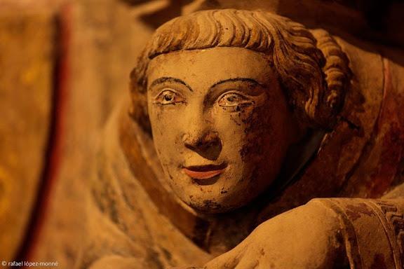 Figures esculpides a les mènsules de les parets laterals de l'altar. Catedral de  Santa Maria.Tarragona, Tarragonès, Tarragona