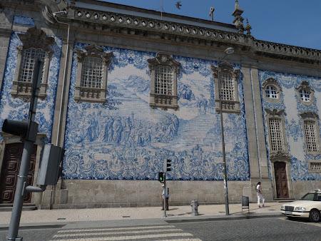 Biserica portugheza tapetata cu faianta