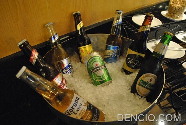 Crowne Plaza Galleria Club Lounge Access 28