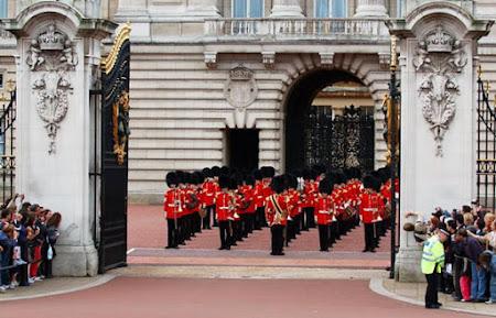5. Imagini Anglia - palatul Buckingham Londra