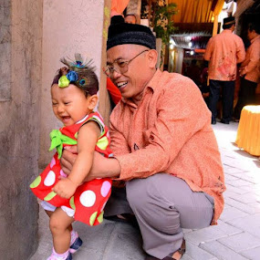 Let's play.. by Dwi Ratna Miranti - People Family