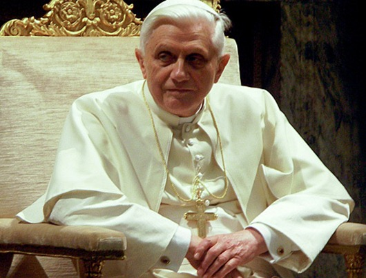 Pope_Benedictus_XVI_january_20_2006e_view