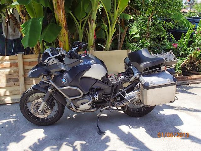 Shippink the bike BKK to CPT 005.JPG