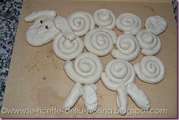 Agnellino di Pasqua di pasta di pane (7)