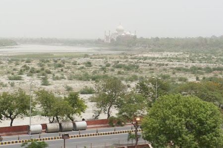 Imagini India: Taj Mahal vazut din Red Fort