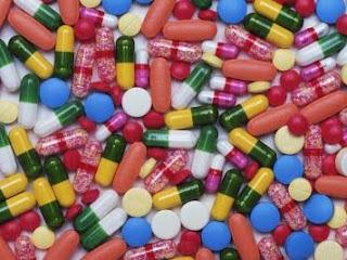 Des pilules. Photo superstarcoco.skyrock.com