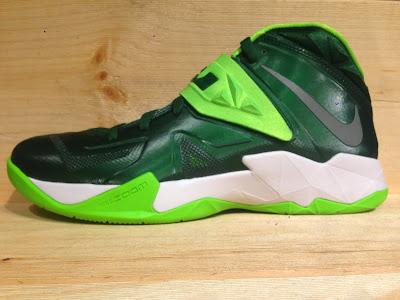 best service a92e5 5bce9 Nike Zoom Kobe 7 VII TB Gorge Green Black Metallic Silver