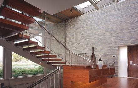 interior-casa-muro-`piedra