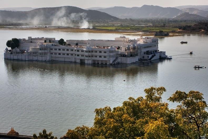 قصر «تاج» العائم في أودايبور lake-palace-1%5B2%