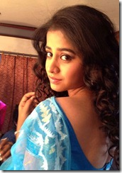 swathi_deekshith_personal_photo_in_saree